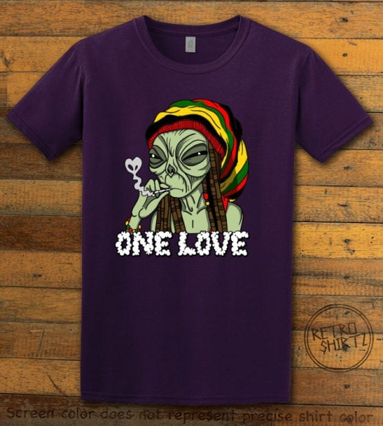 This is the main graphic design on a purple shirt for the Weed Shirt: Rasta Alien
